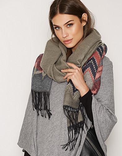 Nelly.com SE - PCPARMA LONG SCARF 199.00