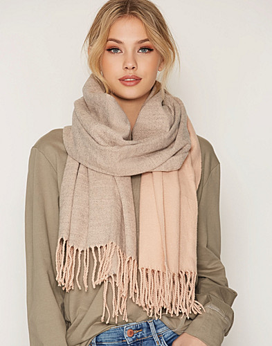 Nelly.com SE - PCFRIDA LONG SCARF 179.00