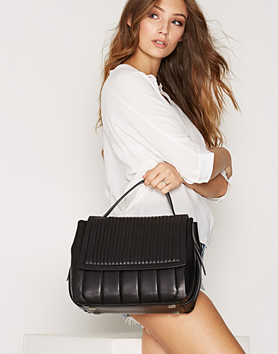 Gansevoort Flap Shoulder (2278960757)