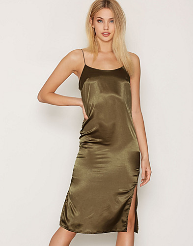 Nelly.com SE - Cami Midi Satin Dress 279.00 (349.00)