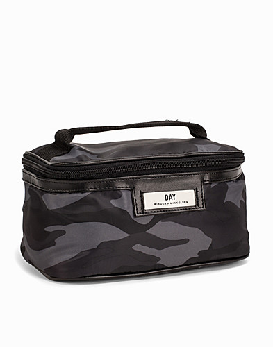 Day Gweneth P Camo Case (2225381783)