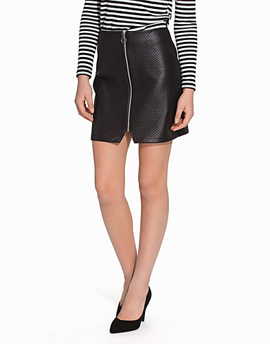 Leather Look Quilted Zip Front Mini Skirt (2085585791)