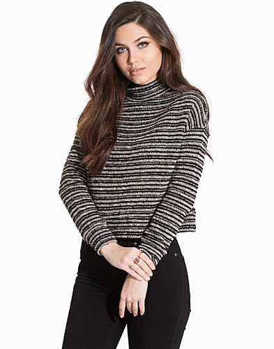 Nelly.com SE - High Neck Boxy Knit 299.00