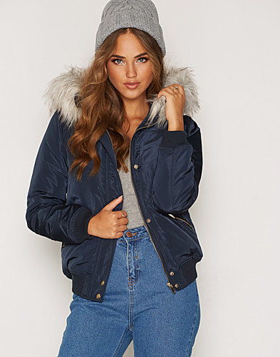 New Look - Hooded Faux Fur Padded Bomber
