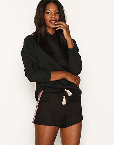 New Look - Embroidered Shorts