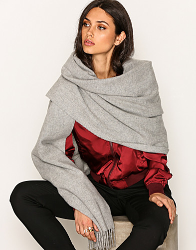 Nelly.com SE - Solid Lambswool Scarf 499.00