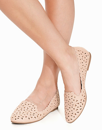 Cut Out Slipper (2195481047)