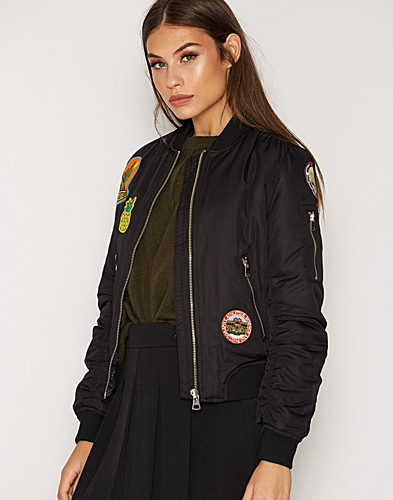 Badged Jacket (2273635441)