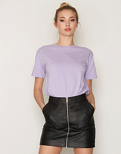Nelly.com SE - Nibbled Short Sleeve Tee 100.00 (169.00)