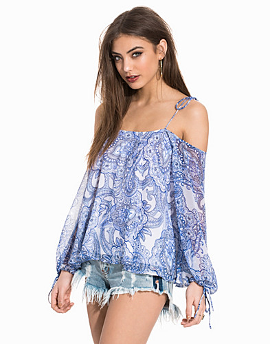 Nelly.com SE - Print Off Shoulder Blouse 299.00