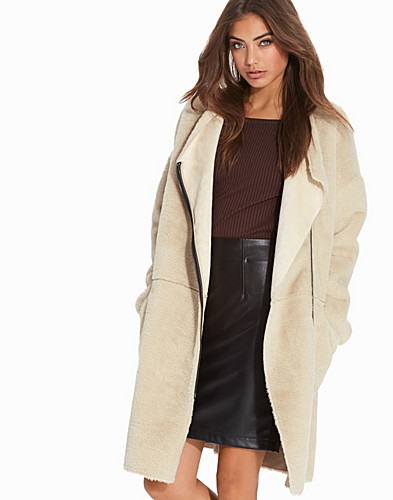 Nelly.com SE - Wolf In Disguise Coat 899.00