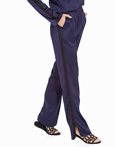 Nelly.com SE - Fast Track Pants 150.00 (399.00)