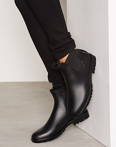 Low Chelsea Rain Boot thumbnail