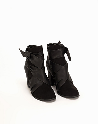 High Heeled Wrap Boot thumbnail