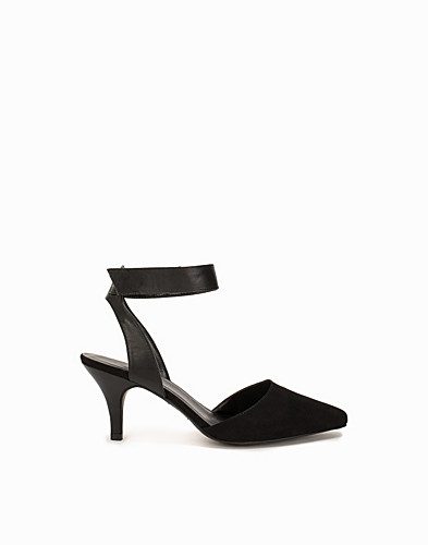 Pointy Mid Heel Pump (2050209807)