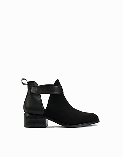 Cut Out Ankle Strap Boot (2138141463)