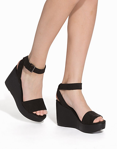Ankle Strap Wedge Sandal (2134098499)