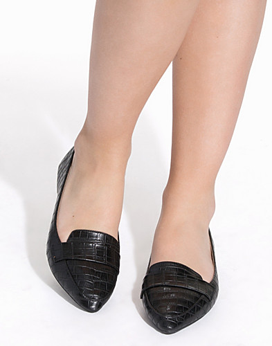 Pointy Toe Loafer (2156344797)