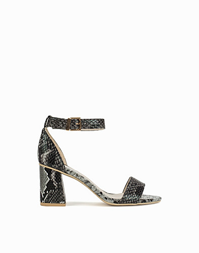 Flared Block Heel Sandal (2156344887)