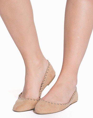 Small Studded Ballerina (2168740973)