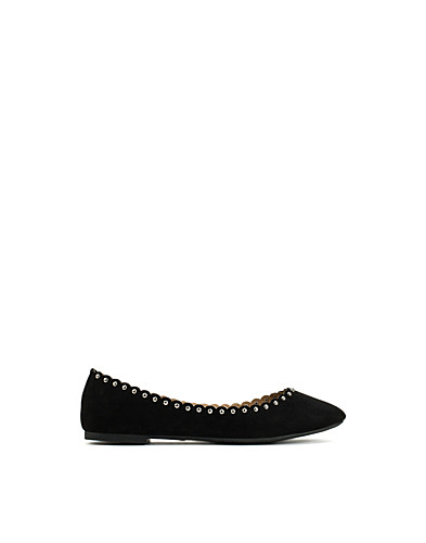 Small Studded Ballerina (2153495759)