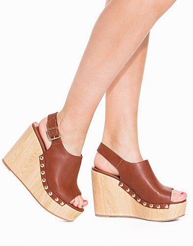 Faux Wooden Wedge (2224361019)