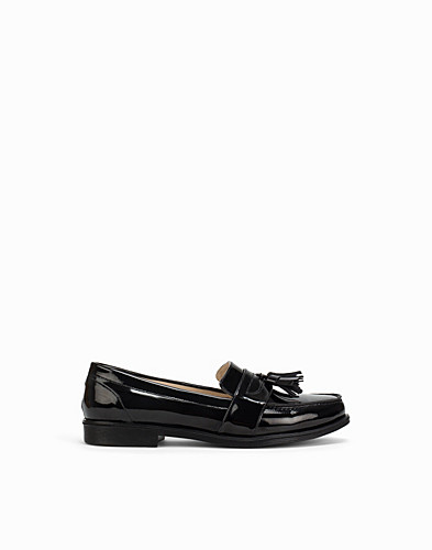 Shiny Tassel Loafer (2148390561)