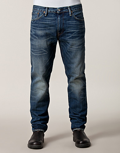 Levis Regular Tapered