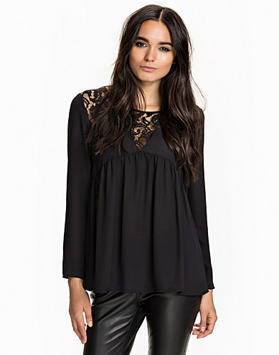 Nelly.com SE - Clara Blouse 299.00