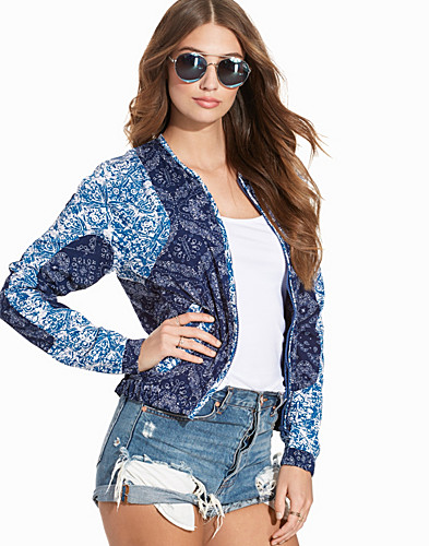 Nelly.com SE - Price Lena Mix Jacket 299.00