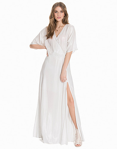 Nelly.com SE - Lillian Longdress 3195.00