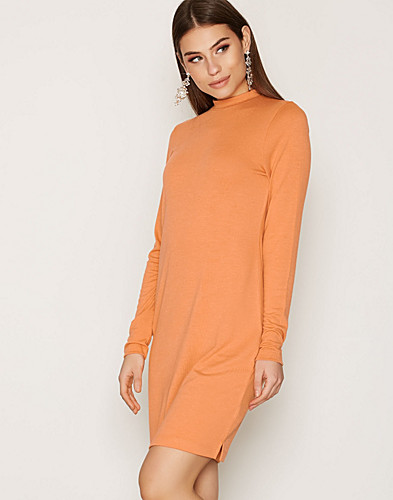 Nelly.com SE - Loose Fit Polo Dress 299.00 (379.00)