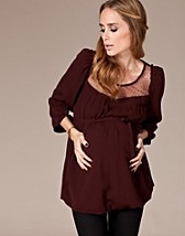 Bella Woven Top EUR 39,95, Mama-licious - NELLY.COM