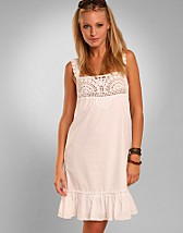 Ineke Dress SEK 699, Soaked in Luxury - NELLY.COM