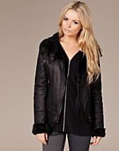 Fighter Jacket SEK 995, Soaked in Luxury - NELLY.COM