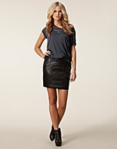 Kjolar , Night Speed Leather Skirt , 2nd Day - NELLY.COM