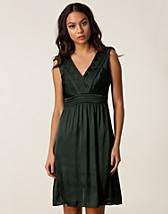 Festklnningar , Tabisha Dress , Soaked in Luxury - NELLY.COM
