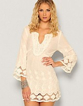 Kanve Dress SEK 399, B.Young - NELLY.COM
