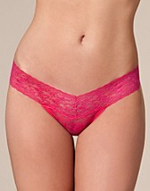 Wonderland Lace Thong SEK 44, Wonderland - NELLY.COM