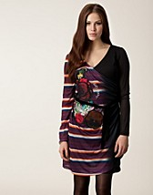 Dresses , Calef Dress , Desigual - NELLY.COM