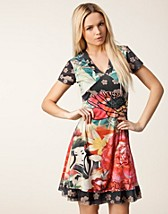 Klänningar , Asian Dress , Desigual - NELLY.COM