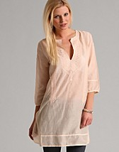 Trudia Tunic SEK 1499, Day Birger et Mikkelsen - NELLY.COM