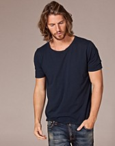 T-shirts , Wide Neck T-Shirt , Nudie Jeans - NELLY.COM