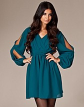 Isabel Slit Sleeve Dress SEK 399, Awear - NELLY.COM