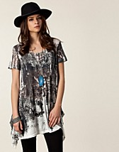 Toppar , Night Terrors Printed Tunic , Evil Twin - NELLY.COM