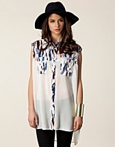 Blouses & shirts , Flying Colours Sleeveless Shirt , Evil Twin - NELLY.COM