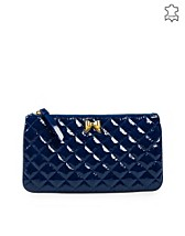 Bags , Matelasse Heart Clutch , Moschino Cheap & Chic - NELLY.COM