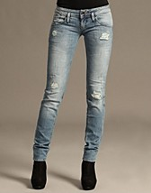 Nevada Jeans SEK 999, Hilfiger Denim - NELLY.COM
