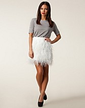 Skirts , Hayden Feather Skirt , Stars by Jonas Hallberg - NELLY.COM