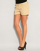 Khaki Shorts SEK 99, Jeane Blush - NELLY.COM